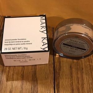 Mary-Kay mineral powder foundation